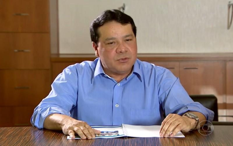 O prefeito de Coari, Adail Pinheiro, que está afastado do cargo, é mantido na prisão há mais de seis meses (Foto: Reprodução/Rede Globo)