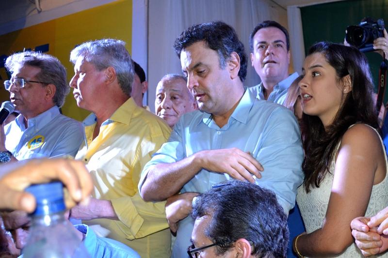 Aécio Neves leva vantagem, apesar do empate técnico, porque vem subindo nas pesquisas enquanto Marina vem caído (Foto: Valmir Lima)
