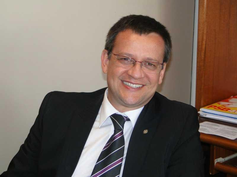 O deputado Beto Albuquerque (PSB-RS) será o vice de Marina Silva na chapa do PSB que substituirá Eduardo Campos (Foto: Divulgação)
