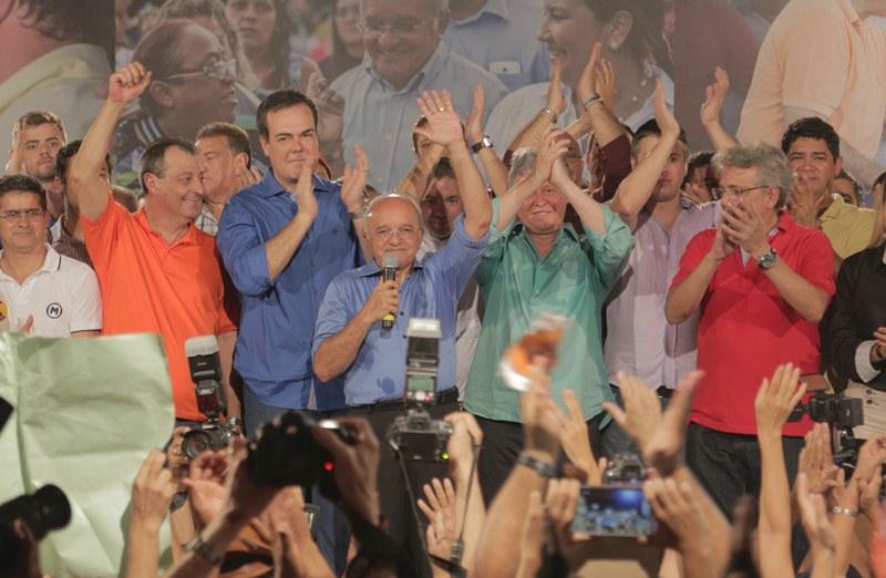 O governador José Melo terá que retirar o conteúdo dos sites do governo do Estado apontados como propaganda eleitoral irregular pela coligação adversária (Foto: Barbara Umbra/Divulgação)