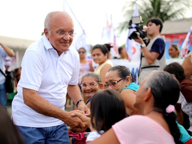 O governador José Melo aparece pela primeira vez acima de 30 pontos percentuais nas pesquisas eleitorais (Foto: Divulgação)