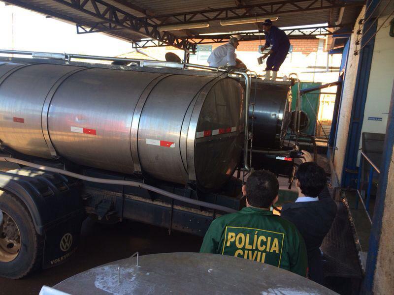 Produtores de lei adicionavam produto químico para disfarçar a água acrescentada ao leite (Foto: Divulgação/MP-SC)