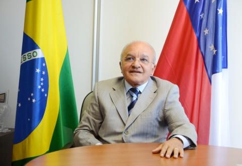 José Melo terá 48 horas para afastar o comandante e o subcomandante da PM de qualquer função na corporação até a proclamação dos eleitos (Foto: Divulgação/Agecom)