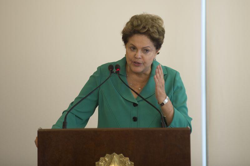 Apesar da promessa de Dilma, Barbosa sugeriu algo diferente numa entrevista concedida logo após a transmissão de cargo no Ministério do Planejamento (Foto: Marcelo Camargo/Agência Brasil)