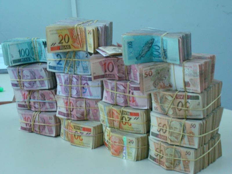 dinheiro doações