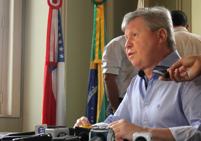 O prefeito cobrou às indústrias de Manaus para que invistam mais em filantropia e empresários dizem que já investem (Foto: Arlesson Sicsú/Semcom)