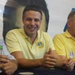 O deputado Arthur Bisneto comemora a vitória como o mais votado da história do Amazonas para a Câmara dos Deputados (Foto: Divulgação)