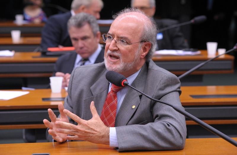 O ex-governador Eduardo Azeredo era deputado federal e renunciou ao cargo para se livrar de julgamento no TSF (Foto: Alexandra Martins/Câmara dos Deputados)
