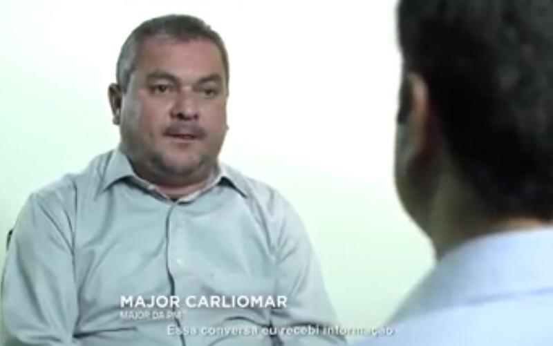 Major Carliomar Barros, em entrevista ao programa eleitoral do candidato José Melo, nega que tenha negociado voto na cadeia (Foto: Reprodução)