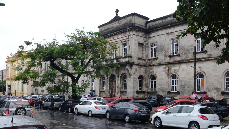 O prédio da Santa Casa de Misericórdia será desapropriado pelo governo do Estado e no local será feito um hospital infantil para tratamento de câncer (Foto: Robervaldo Rocha/CMM)