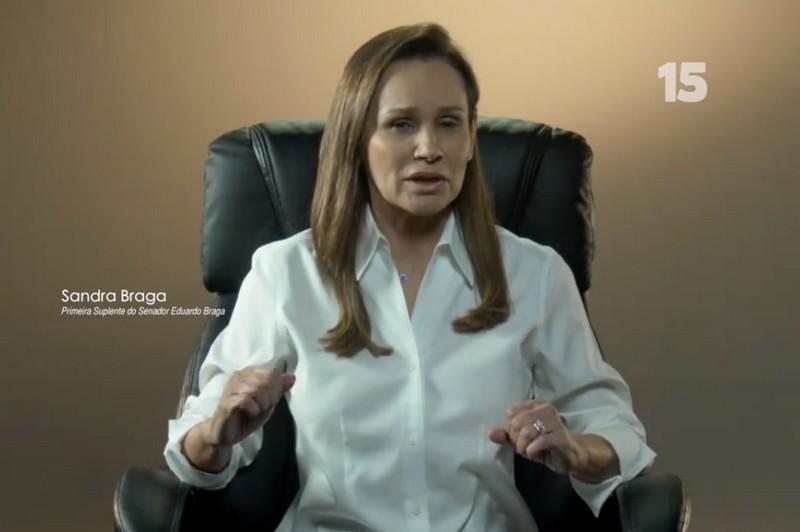 Sandra Braga gravou vídeo para a campanha de Braga em que se compromete a ficar no Senado caso o marido se eleja governador (Foto: Reprodução)