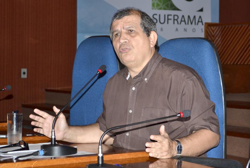 O superintendente da Suframa criticou o governo federal e diz que fica até definirem a demissão dele, ou até 31 de dezembro, data que definiu para deixar o cargo (Foto: Valmir Lima)