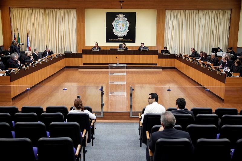 Os desembargadores e juízes do TJAM já recebem R$ 10 mil de Parcela Autônoma de Equivalência, um antigo auxílio-moradia pago como direito adquirido (Foto: Raphael Alves/TJAM)