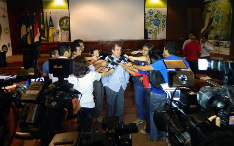 Thomaz Nogueira aparece isolado e com as mãos atadas no cargo de Superintendente da Suframa (Foto: Andrés Pascal/Suframa)