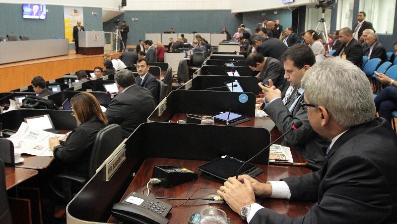 Muito trabalho aos vereadores para tirar o foco das denúncias contra a administração de Arthur Virgílio Neto (Foto: Robervaldo Rocha/CMM)
