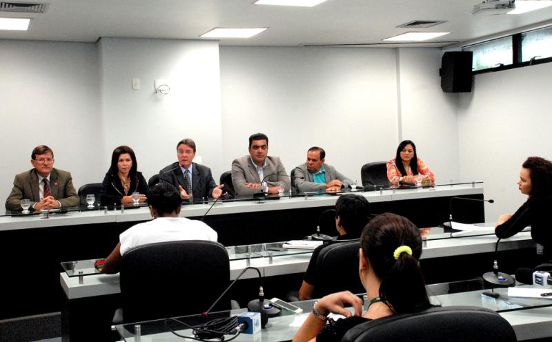 Os membros da CPI da Pedofilia denunciaram na manhã desta sexta-feira que duas garotas mudaram o depoimento depois da cooptação (Foto: Rubilar Santos/ALE)