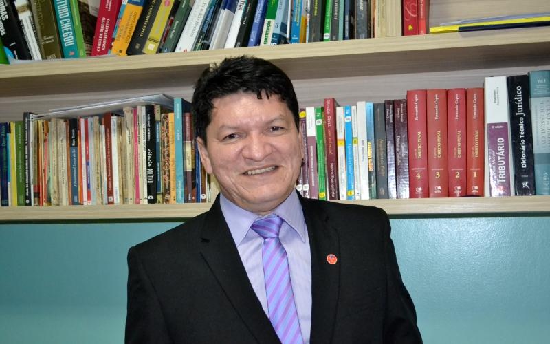 O advogado e cientista social Carlos Santiago vai presidir a Comissão de Reforma Política da OAB (Foto: Valmir Lima)