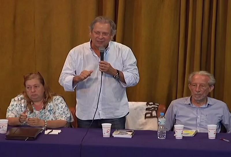 José Dirceu está cumprindo pena em Brasília no regime semi-aberto, e