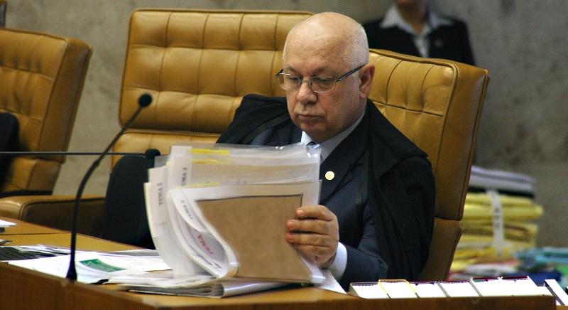 O pedido das empreiteiras para que o processo saia da Justiça Federal em Curitiba está sendo analisado pelo ministro Teori Zavascki (Foto: Gervásio Batista/STF)