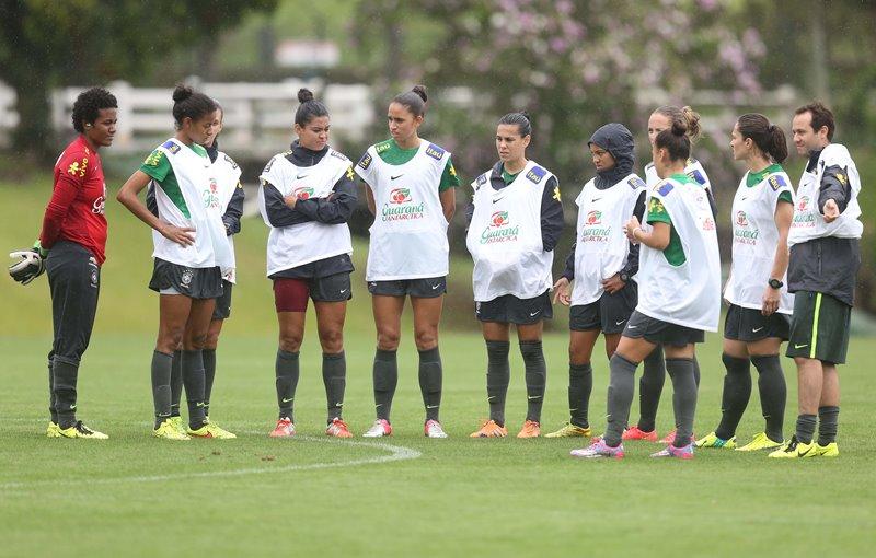 Seleção feminina de futebol, durante treino na Granja Comari (Foto: Rafael Ribeiro/CBF)