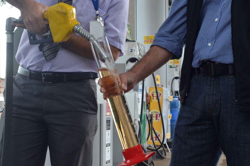 Preço da gasolina nas refinarias é o menor em quase dois meses