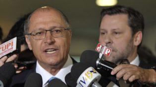 Candidatos do PSDB e do PSL disputam eleitorado no Sul