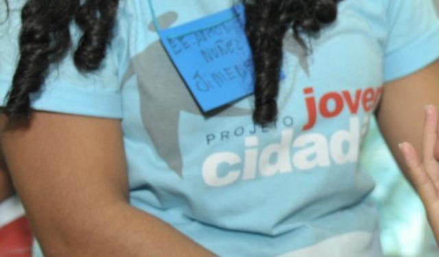 Funcionários da Prosam que prestam serviços ao Programa Jovem Cidadão temiam passar o Natal sem dinheiro (Foto: Divulgação)