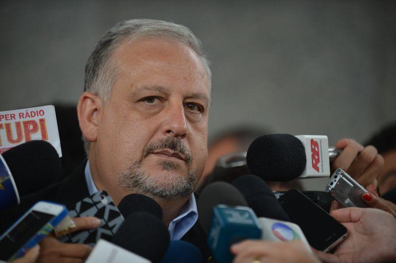 Ricardo Berzoini é um dos cinco ministros da cota do PT. Ele deixa a pasta de Relações Institucionais e vai para a das Comunicações (Foto: José Cruz/Agência Brasil)