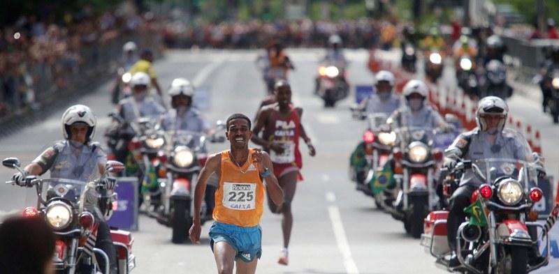 Dawit Admasu, da Etiópia, venceu a prova masculina da Corrida de São Silvestre (Foto: Paulo Pinto/Fotos Públicas)