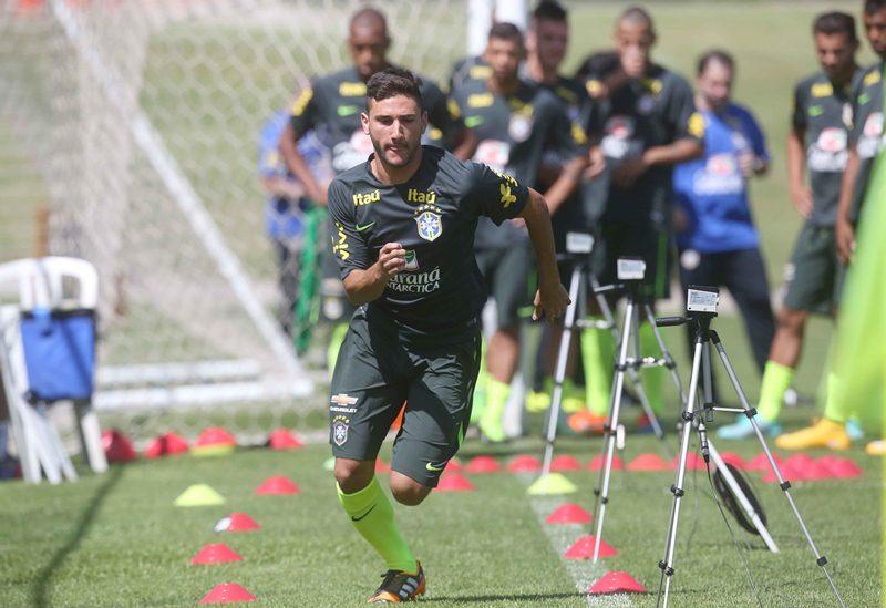 AMAZONAS ATUAL - Gallo corta Boschilia e define seleção para o Sul ... 614dd205c7eed