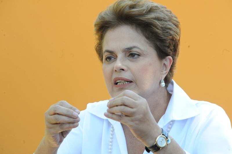 Dilma também rejeitou o artigo da MP que permitia o refinanciamento das dívidas dos clubes esportivos com a União, que é da ordem de R$ 4 bilhões, sem contrapartidas, como pagamento de multas em caso de atraso dos salários dos jogadores (Foto: Elza Fiúza)