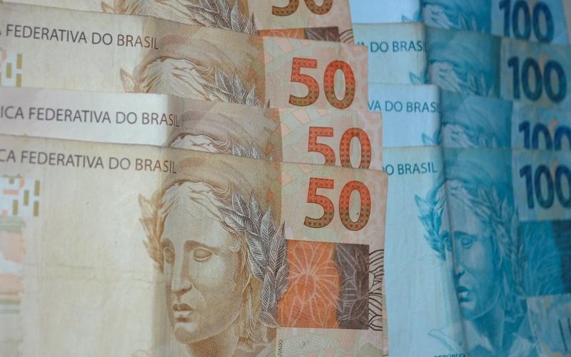 Presidenciáveis arrecadam R$ 143 milhões, 64,8% são recursos públicos