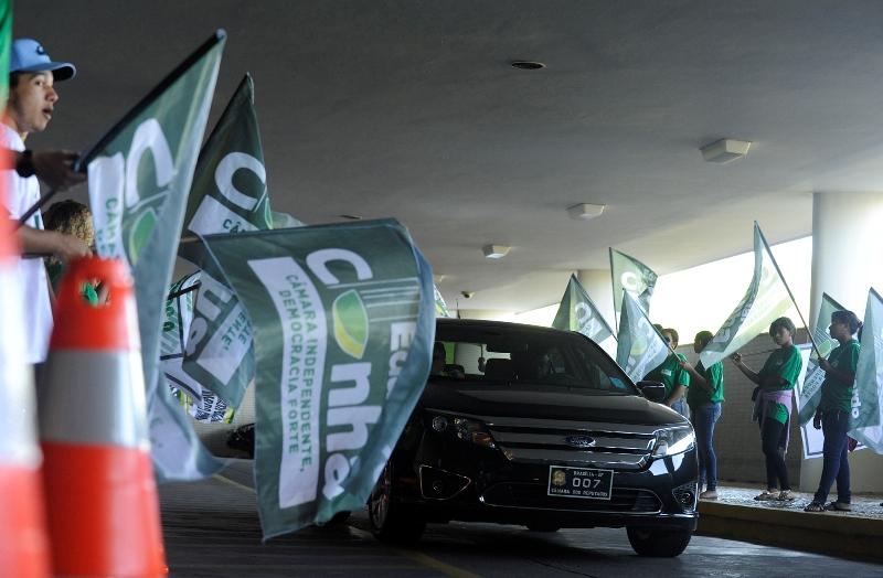 Disputa eleitoral para presidente da Câmara e do Senado tem cabos eleitorais até na área de estacionamento do Congresso (Foto: Gabriela Korossy/Câmara dos Deputados)