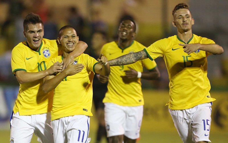 Depois de ganhar de 2 a 1 da Colômbia, a seleção brasileira chegou a nove pontos e saldo de dois gols, ficando atrás dos uruguaios, donos da casa, que tiveram saldo de sete (Foto: Rafael Ribeiro/ CBF)