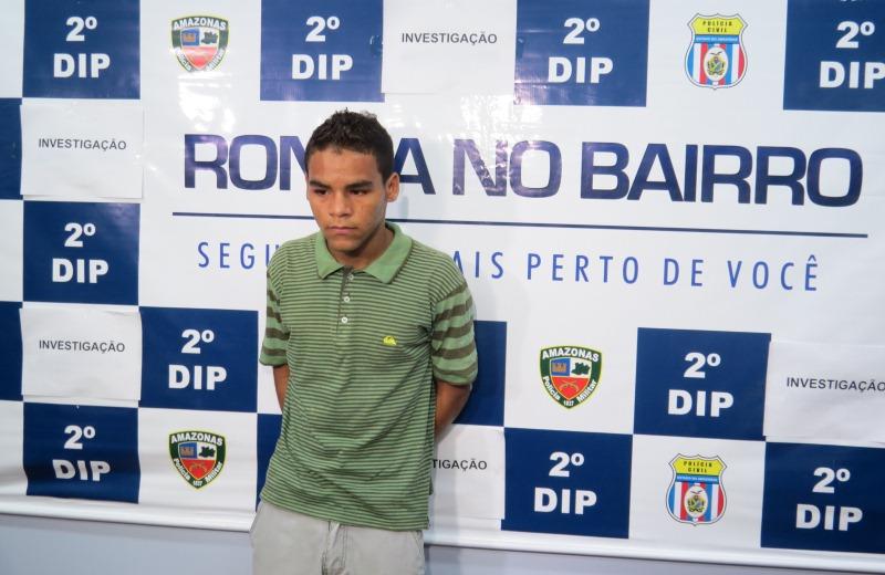 Frankisuel Souza Oliveira foi preso depois de botar fogo em uma casa, mas também é suspeito de matar um homem em março do ano passado (Foto: Divulgação/PC)