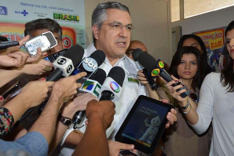 Alexandre Padilha é um caso raro de autoridade que utiliza o serviço público de saúde no Brasil (Foto: Valter Campanato/Agência Brasil)