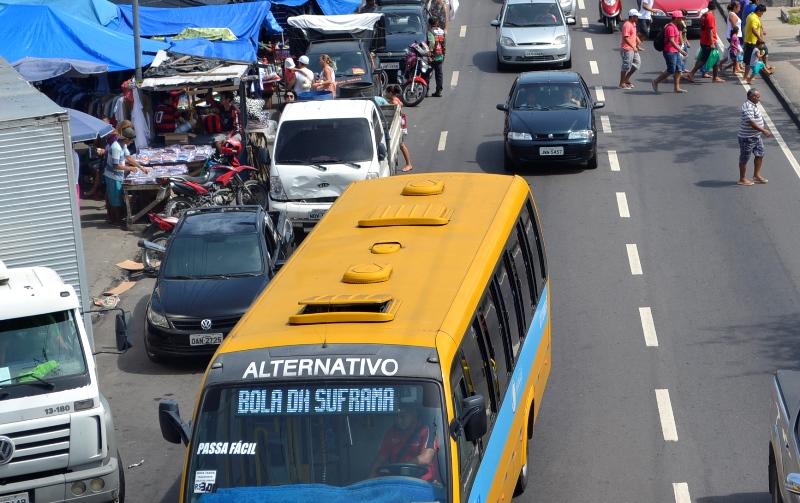 Os proprietários do transporte alternativo e executivo querem manter os atuais números de veículos em circulação (Foto: Valmir Lima)