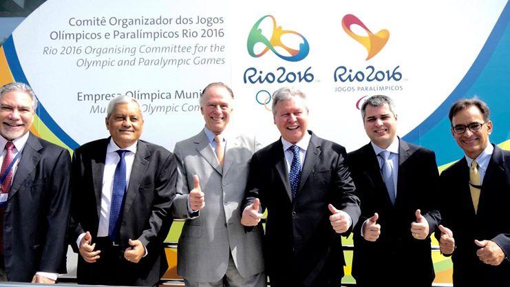 Na semana passada Arthur esteve com os manda chuvas dos Jogos Olímpicos e aguardava com ansiedade o dia de anunciar Manaus como sede dos jogos de futebol (Foto: Divulgação)
