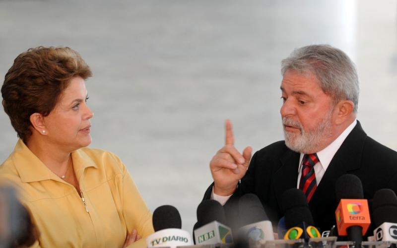 O ex-presidente Luiz Inácio Lula da Silva é chamado a opinar sobre a articulação política sempre que Dilma está em apuros (Foto: Wilson Dias/Agência Brasil)