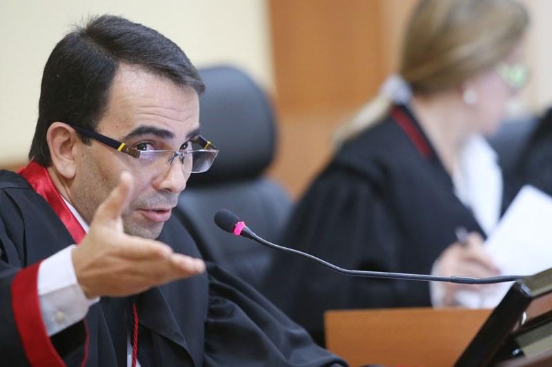 O procurador-geral de Justiça, Fábio Monteiro,  tem mostrado eficiência quando se trata de elevar os benefícios dos membros do MP-AM (Foto: Raimundo Valentim/TJAM)