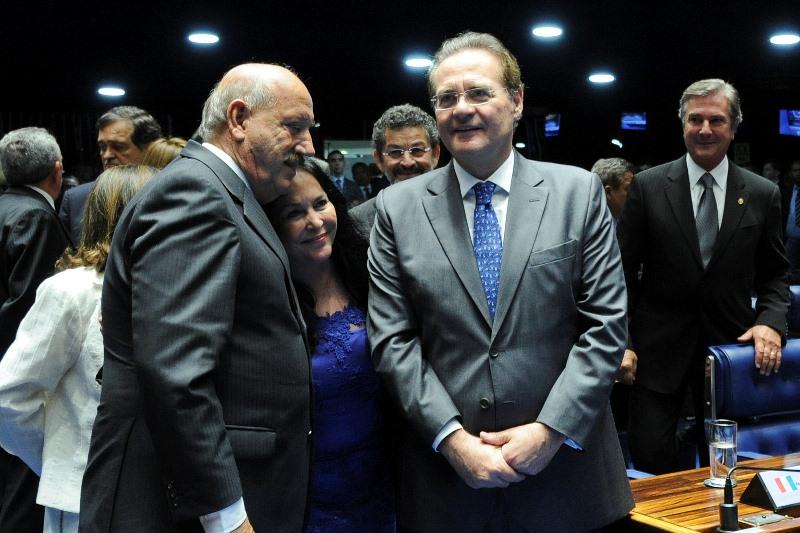 Renan Calheiros derrotou seu companheiro de partido, Luiz Enrique (à esquerda) por uma diferença de 18 votos (Foto: Geraldo Magela/Agência Senado)