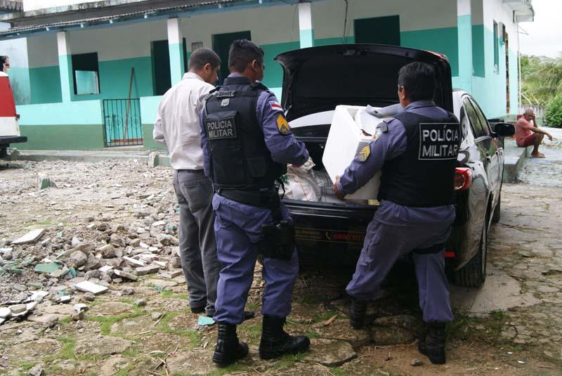 A Polícia Militar auxiliou operação dos promotores de Justiça para resgatar os pacientes que viviam em condições subumanas (Foto: Divulgação)