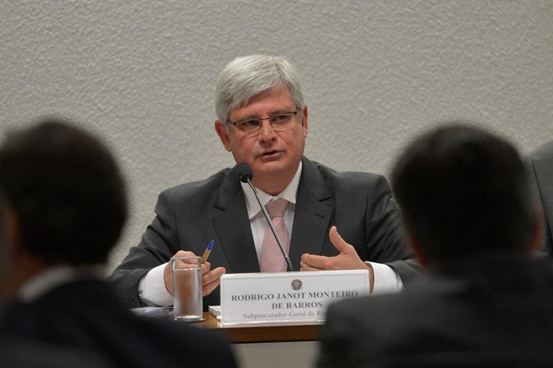 O procurador-geral da República deve apresentar na próxima semana a lista de políticos investigados na Lava Jato (Foto: Wilson Dias/Agência Brasil)