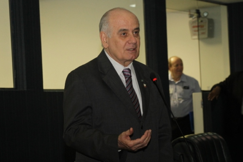 O deputado Serafim Corrêa disse que o projeto se justifica pelo momento de crise por que passa o Estado brasileiro e a necessidade de todos os poderes apertarem o cinto (Foto: Marcelo Araujo/Divulgação)