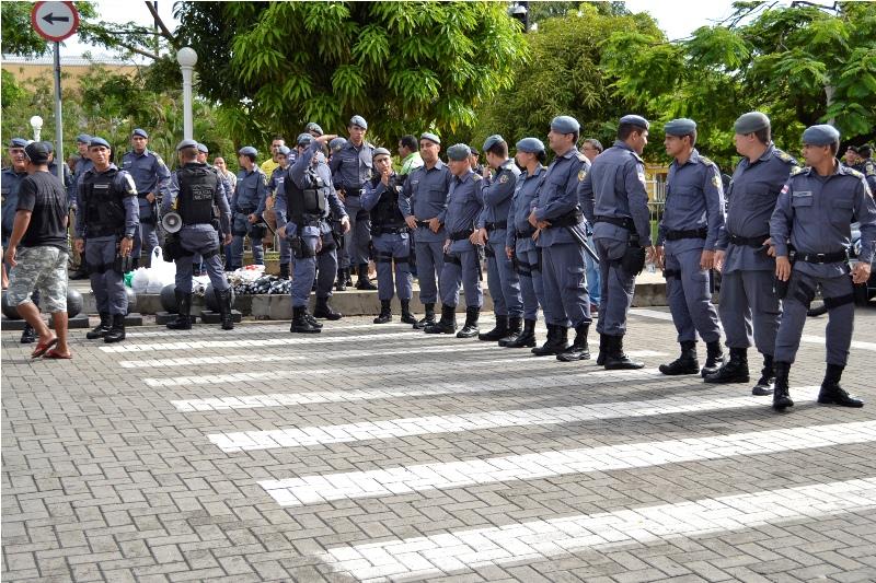 Polícia Militar compareceu em peso na manifestação