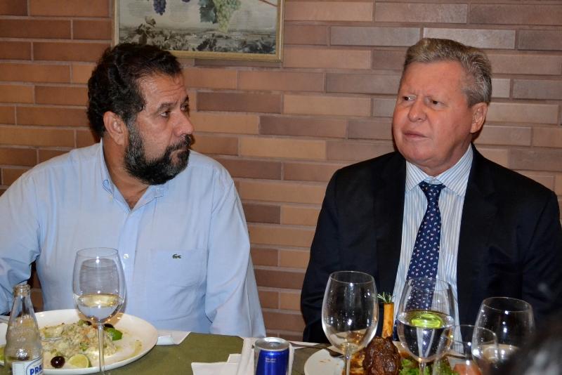 No almoço com o presidente do PDT, Carlos Lupi, o prefeito Arthur Virgílio Neto iniciou conversas sobre apoio do partido à reeleição em 2016 (Foto: Valmir Lima)