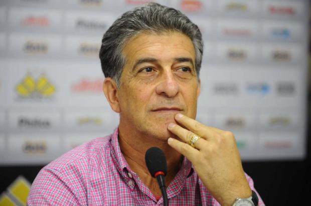 Ricardo Drubscky  chega para substituir Cristóvão Borges no comando da equipe tricolor.