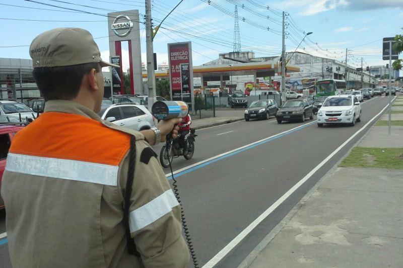 Fiscais do Instituto Municipal de Trânsito vão estar posicionados na Avenida Mario Ypiranga com radares portáteis a partir desta segunda-feira (Foto: Divulgação/Manaustrans)