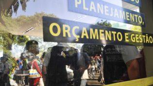 Governo tem folga de R$ 600 milhões em recursos do Orçamento