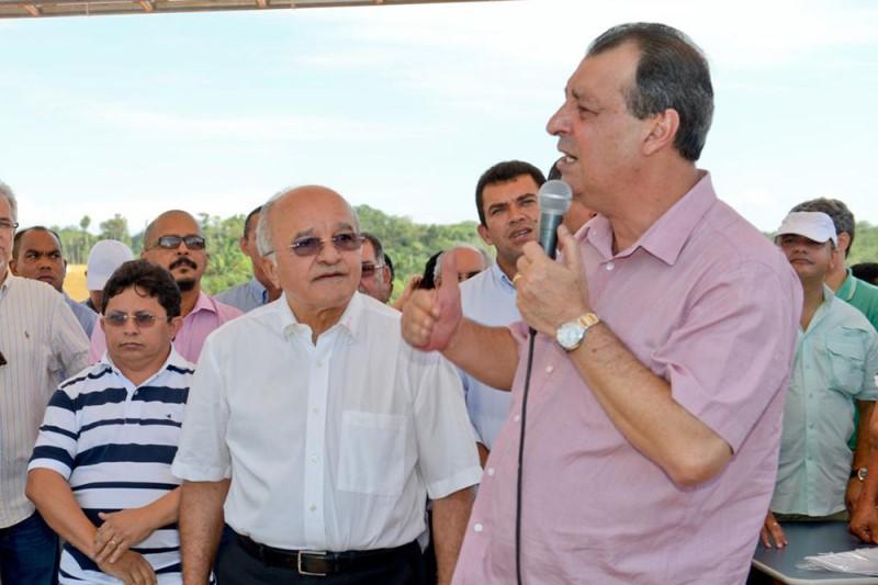 As contas de 2014 têm três meses do ex-governador Omar Aziz e nove meses do governador José Melo (Foto: Alex Pazuello/Agecom)